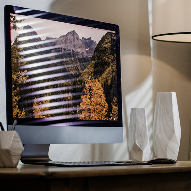Somfy's clever blocks glare on screens!